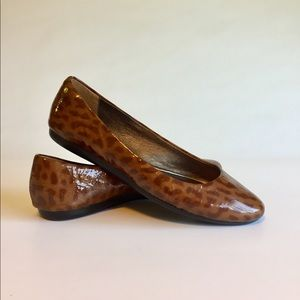 Coach Brown Animal Print Patent Leather Flats Sz 7
